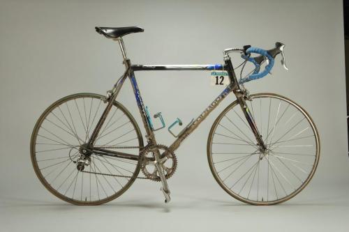 colnago c40, modelo que foi produzido de 1994 a 2003. talvez a bicicleta que mais tenha vencido a paris-roubaix.