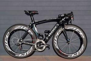 quer uma? vai gastar uma bela grana, mas é uma bike possível.
