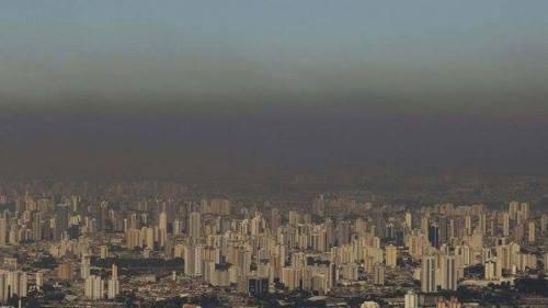são paulo e sua indefectível cobertura de poluição
