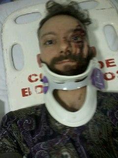 no hospital, a caminho da tomografia.
