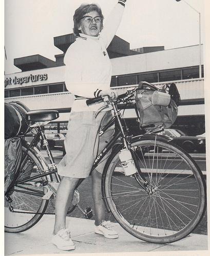 louise shutherland em 1978, atravessando a amazônia, numa peugeot aro 27.