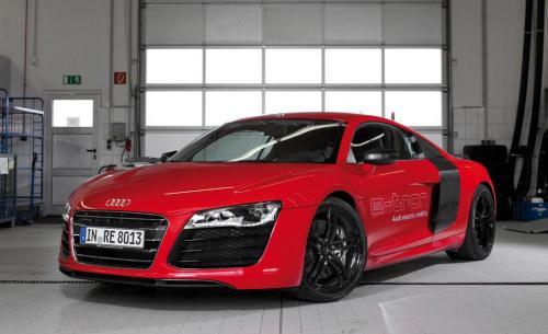 Audi R8 e-tron - sim, ele é elétrico.