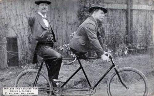 sem braçcos, Charles N. Tripp. sem pernas, Eli Bowen. c. 1890. ao que se sabe, montaram na bicicleta apenas para as fotos.