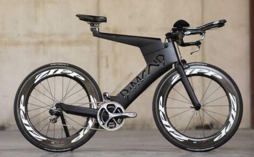 Dimond Tri Bicycle. extremamente aerodinâmica para uma bicicleta de montar.
