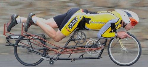 Obree em uma criação sua, uma prone bike.
