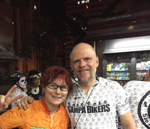 Avelleda com Renata Falzoni, em foto publicada no seu perfil no Facebook.